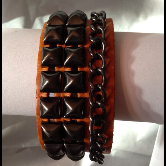 Be Seen Sales Jewelry - Unisex* Leather and studded cuff with chain