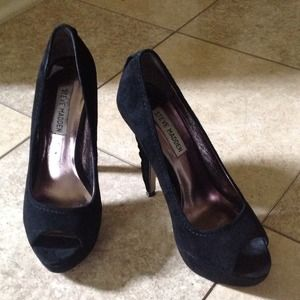💢last reduction  Steve Madden suede shoes