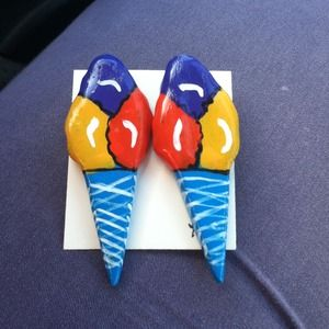 Jewelry - Vintage Ice Creamy earrings