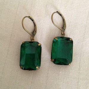 Beautiful emerald fashion earrings.