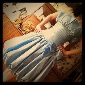 Dresses & Skirts - Vintage strapless blue prom dress