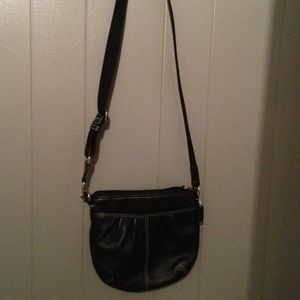 AUTHENTIC ALL BLACK LEATHER COACH SWING-PACK