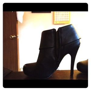 Reduced!!! Black ankle boots!