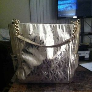 Selling it for march of dimes.! Auth Michael Kors
