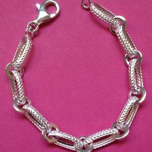Jewelry - Gorgeous Sterling Silver Link Bracelet- Brand New!