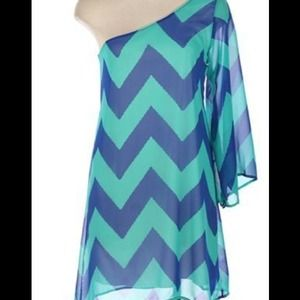 Dresses & Skirts - SOLD!!! One shoulder chevron print dress