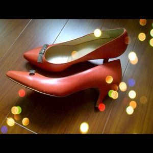 Darling Benetton Coral Heels with Taupe Bow