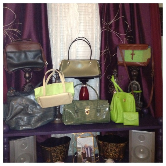 Liz Claiborne Handbags - All's Green In Spring Handbag Purse