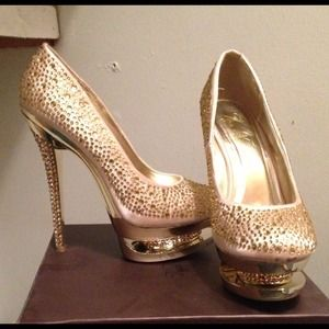 Shoes - Gold studded 5 inch heel pumps size 7