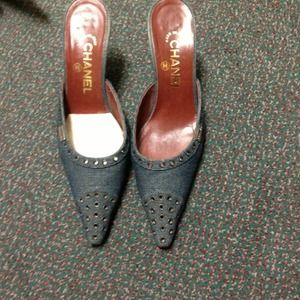 Original Chanel heels/ size 7