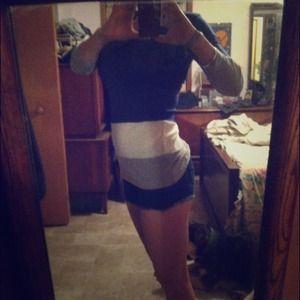 Tops - 🐚REDUCED!!!! Quarter sleeved block color shirt🐚