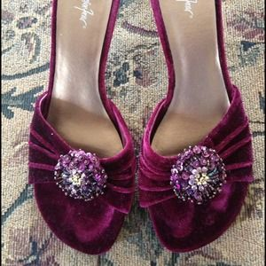 Jacqueline Ferrar Shoes - Pretty burgundy shoe with Jewels!!! Now half price
