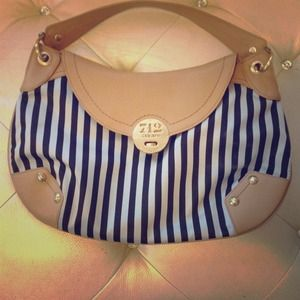 Henri Bendel Shoulder Bag! 