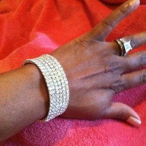 Jewelry - Swarovski  crystal bangle new