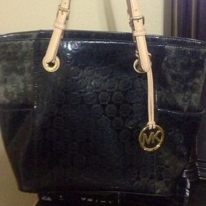 MICHAEL KORS BLACK JET SET