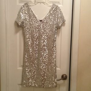 Dresses & Skirts - Silver sequins dress