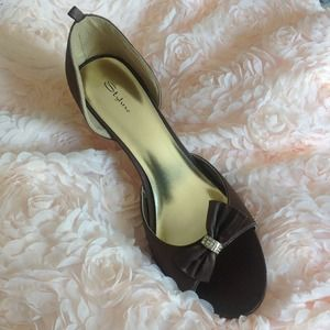 Shoes - New chocolate brown Satin heels with bow Size 10.