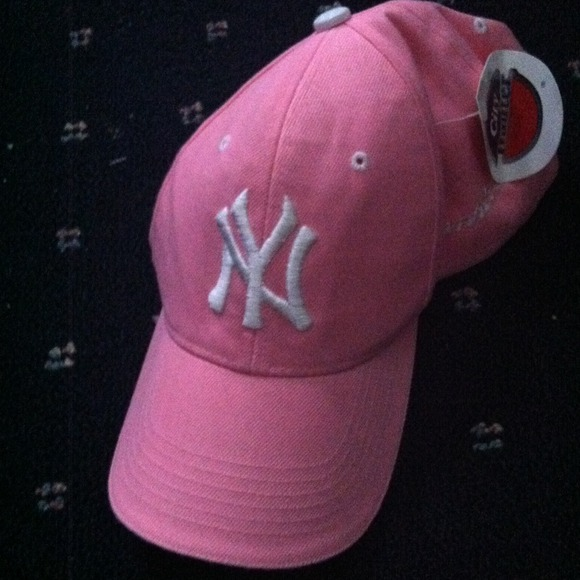 Accessories - Light pink Yankees baseball cap 4a6dbc882af1