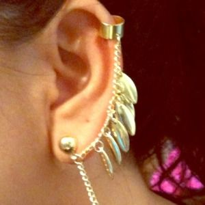 Jewelry - Beautiful color Gold earrings 😃