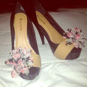 Shoes - Black & flower peep toe platforms size 7.5