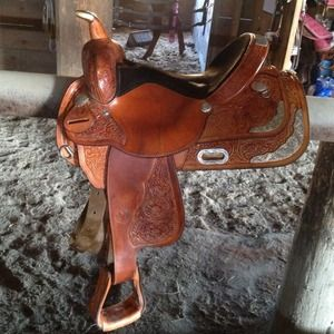 Dale Chavez Show Saddle for sale   Only 4 left at -70%