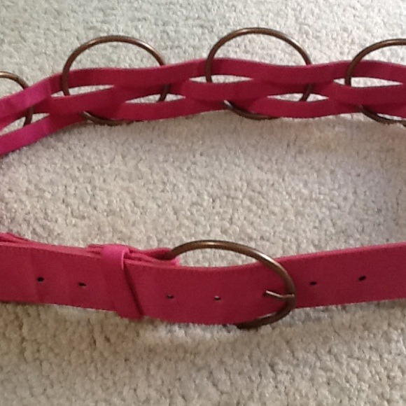Pink belt with bronze ring accent