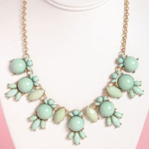 Gorgeous Mint &Gold Rhinestone Statement Necklace!