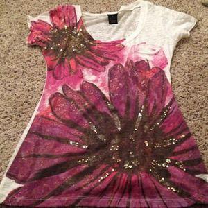 Vanity te-shirt with pocket