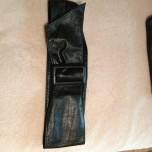 Accessories - Black Vintage belt
