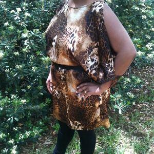 Animal print / goddess sleeve dress