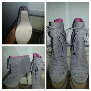 Grey, brand new heels