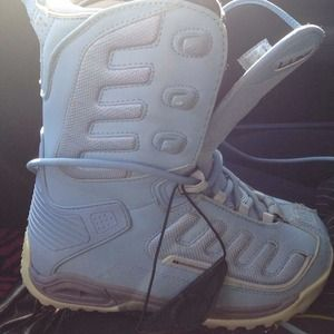 Woman's baby blue snow boots