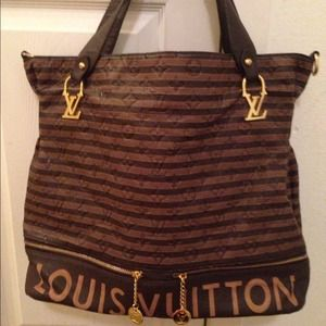 Handbags - Brown Louis Vuitton Bag