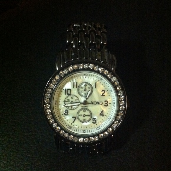 Xoxo watch os from amelie 39 s closet on poshmark for Watches xoxo