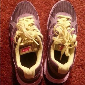 Nike revolution size6