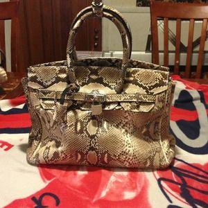 Handbags - Findig 100% snake skin purse