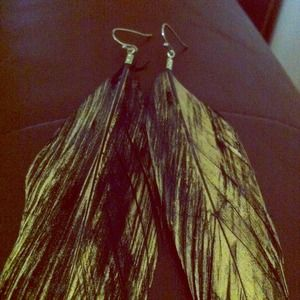 Jewelry - Black and gold feather earrings