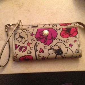 Coach poppy zippy wallet/wristlet