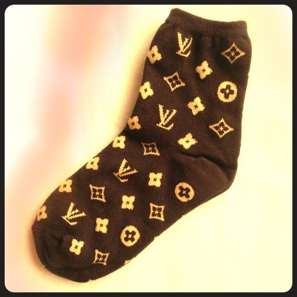 f2f8c288c88a Louis Vuitton Accessories - 🎀NEW Dark brown lv monogram ladies cotton socks