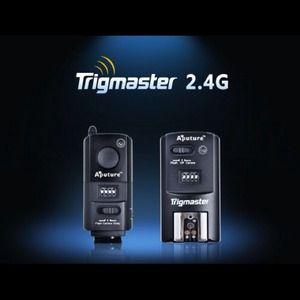 Trigmaster 2.4 for studio lighting.