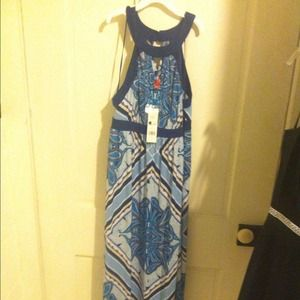 Beautiful, Vibrant colored MAxi dress Size 2 -tags