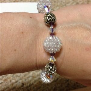 Jewelry - 💥sale💥Pretty bracelet