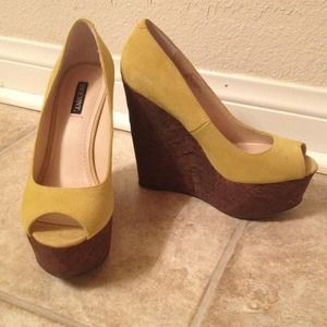 Shoemint/Steve Madden Shoes - Citron Suede & Cork Wedges - Shoemint - 7 💚💛