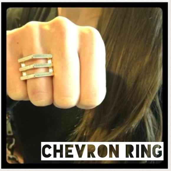 18 Karat gold plated Chevron ring !