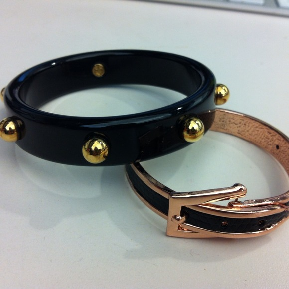 C. Wonder Jewelry - Black studded bangle 3