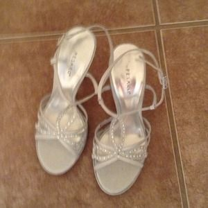 Shoes - Silver with rhinestone sandals