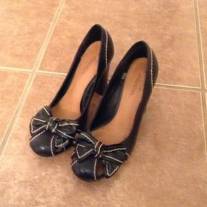Shoes - Black with tan stitching heels