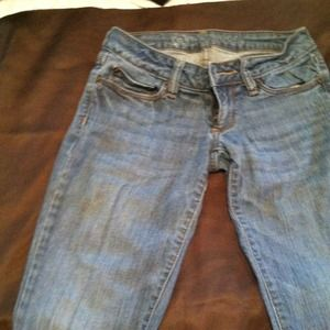 Bullhead super skinny jeans. JUST REDICED!!