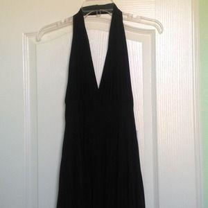 Dresses & Skirts - NWT Halter Pleated dress - size M