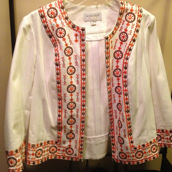 Jackets & Blazers - Crop Style Embellished Jacket.